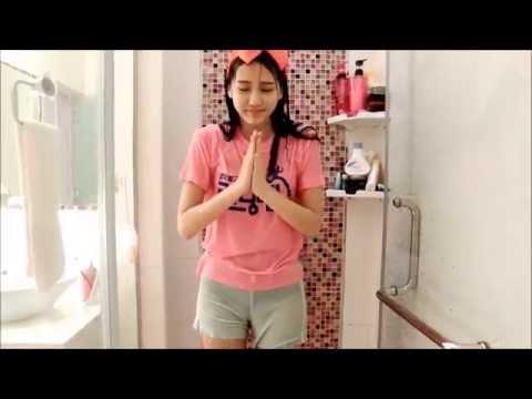 hot girl Fan MU dội nước đá lên đầu
