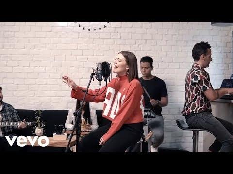 Un corazón - Un Corazón feat. Living - Jesucristo Basta (Versión acústica) ft. Living