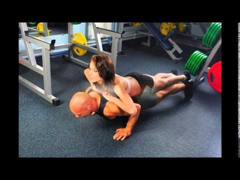 Качаем грудные мышцы в спортзале