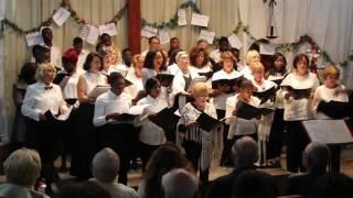 On chante Noël à l'église Sainte-Anne d'Agadir, du Divin enfant à Petit papa Noël