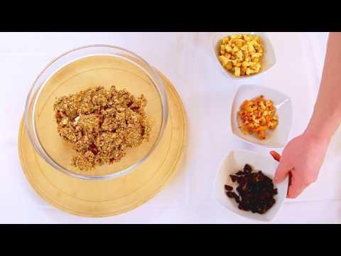 Energijske ploščice iz kosmičev z oreščki, suhim sadjem in semeni