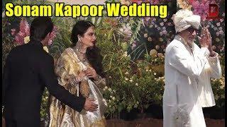 Video Amitabh Bachchan, Rekha, Shahrukh Khan At Sonam Kapoor's Wedding reception MP3, 3GP, MP4, WEBM, AVI, FLV Mei 2018