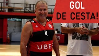 O  dia em que o Galinho decidiu trocar de esporte. Mas por uma tarde só.---------------Seja sócio-torcedor do Flamengo: http://bit.ly/1QtIgYl---------------Inscreva-se no canal oficial do Flamengo. Vídeos todos os dias.--- Subscribe at Flamengo channel, a 40-million-fans nation. Join us!