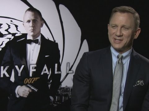 daniel craig - We meet Daniel Craig who is back as 007 in new movie Skyfall. Report by Lisa Snell. Excited for Skyfall? Check out our full playlist for more 007 content: ht...