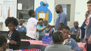 Video South Florida Kids Reunite With Fathers In Prison MP3, 3GP, MP4, WEBM, AVI, FLV Februari 2018