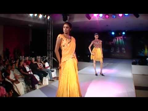kerala girls - Join us on http://www.Facebook.com/DAM9993D for the latest updates on 'DAM999 3D' Kerala girls sizzle the ramp in yellow designs!! Fashion Show 2010 - The co...