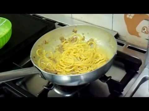 spaghetti con zenzero e salsiccia - ricetta