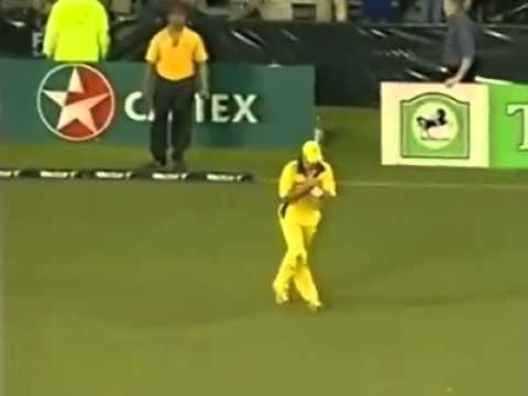 Funny epic scene | Billy Bowden gives Red card to McGrath