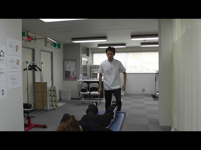【施術動画】産後の腰痛 3 大腿骨を調整して骨盤矯正