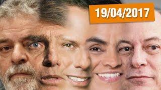 """Se as eleições no país fossem hoje, quem venceria para presidente da república?!SE INSCREVE AÍ NESSA BAGAÇA http://bit.ly/2dlmOXnTORNE-SE MEU PATRÃO ;-) http://www.patreon.com/CanalDoOtarioDOAÇÕES http://www.canaldootario.com.br/doacoes/Acesse o site http://CanalDoOtario.com.brLojinha do Canal do Otário http://canaldootario.com.br/store_Utilize o código: CANALDOOTARIO na primeira corrida do UBEREste código oferece uma viagem com desconto de até R$20 para novos usuários. O código é válido até 31/12/17 e é exclusivo para novos usuários.Abaixo segue um passo a passo para o uso do código.1º Baixar o Uber e/ou abrir o aplicativo http://ubr.to/2cxGDbL 2º Clicar no menu superior esquerdo (três traços do canto superior esquerdo).3º Clicar em promoções.4º Clicar em """"Adicione um código promocional"""".5º Escrever CANALDOOTARIO e clicar em aplicar.Para mais informações, fontes e links extras acesse: http://www.canaldootario.com.br/videos/quem-vencera-eleicao-de-2018-abuso-de-autoridade-e-eua-ameacado/  Agradecimentos Especiais aos Patrões:Bruno BezerraDelcio JuniorAlbany PinhoRafael CostaMarcelo FerreiraAndré CastroPlínio DutraEdu CruzDaniel LacerdaFlávio AbraãoR SouzaObrigado, Patrões! O apoio financeiro ao Canal através do Patreon, está sendo fundamental para manter o Canal vivo e fazer vídeos como este!___Música e efeitos sonoros:Diego Vilas Boas"""