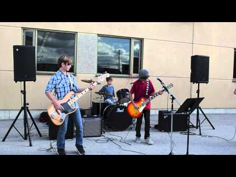 Video Seven Nation Army - The White Stripes Cover download in MP3, 3GP, MP4, WEBM, AVI, FLV January 2017