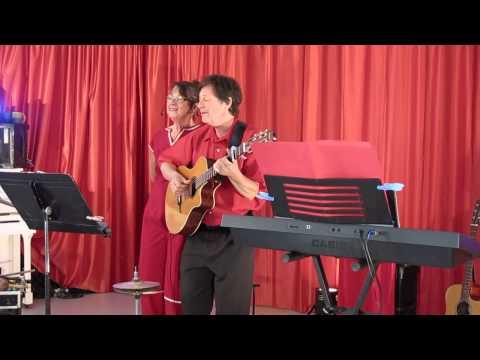 Caen (14) : chansons rétros avec la compagnie Croquenote