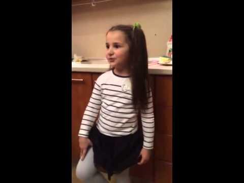Девочка которая знает все законы (видео)