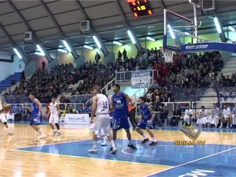 Basket. La Fortitudo Moncada batte Ferrara e vola in vetta alla classifica