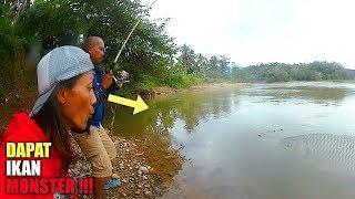 Video Heboh!!! Pancing Baru Turun Tiba-Tiba Disambar IKAN Monster MP3, 3GP, MP4, WEBM, AVI, FLV September 2018