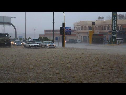 الأمطار الغزيرة مع البرد في الطائف الأثنين 29 رجب 1436هـ