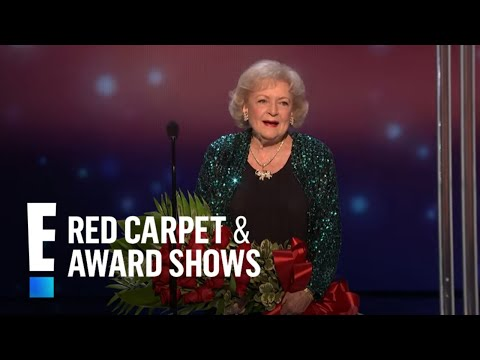 SWOON! Chris Evans escorted Betty White to the PCA stage!