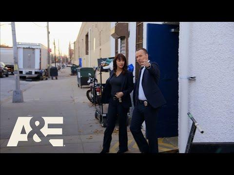 Wahlburgers: Marisa Ramirez Tries a Wahlburger (Season 5, Episode 3) | A&E