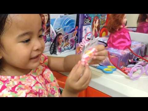 Zara belajar belanja sendiri ( home schooling )