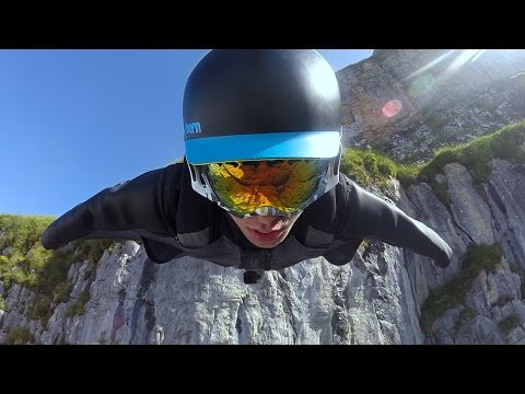 GoPro: Вингсьют прыжок в Швейцарии