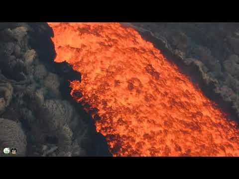 """Video - """"Ξύπνησε"""" το ηφαίστειο της Σικελίας - Εκτοξεύει λάβα"""