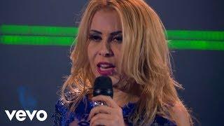 """A música """"Não Teve Amor"""" faz parte do CD/DVD da Joelma.Clique aqui e ouça a música: https://umusicbrazil.lnk.to/JoelmaAvanteYDSIGA A JOELMA:http://joelma.nethttps://www.facebook.com/joelmacalypsohttps://www.instagram.com/joelmaareal https://twitter.com/joelmaNÃO TEVE AMOR(Juliano Tchula/Marilia Mendonça/Rangel Castro)Tanta gente me julgandoTudo estava erradoE eu não queria escutarMas o tempo me mostrouQue a pessoa que eu amava não me amouSó quis me usarQuantas vezes eu pensei em vocêQuerendo te esquecerMas foi melhor pros doisEu entendi depoisQue existia vida sem vocêNão teve amorNunca foi amorQuando é de verdade nunca vai acabarNão era amorNunca foi amorE quem te merece nunca te faz chorarTem coisas na vida que a gente não perdeA gente se livraNão teve amorNunca foi amorQuando é de verdade nunca vai acabarNão era amorNunca foi amorE quem te merece nunca te faz chorarTem coisas na vida que a gente não perdeA gente se livraTem coisas na vida que a gente não perdeA gente se livraTanta gente me julgandoTudo estava erradoE eu não queria escutarMas o tempo me mostrouQue a pessoa que eu amava não me amouSó quis me usarQuantas vezes eu pensei em vocêQuerendo te esquecerMas foi melhor pros doisEu entendi depoisQue existia vida sem vocêNão teve amorNunca foi amorQuando é de verdade nunca vai acabarNão era amorNunca foi amorE quem te merece nunca te faz chorarTem coisas na vida que a gente não perdeA gente se livraNão teve amorNunca foi amorQuando é de verdade nunca vai acabarNão era amorNunca foi amorE quem te merece nunca te faz chorarTem coisas na vida que a gente não perdeA gente se livra ah, ah, ahTem coisas na vida que a gente não perdeA gente se livra ah, ahTem coisas na vida que a gente não perdeA gente se livraTem coisas na vida que a gente não perdeA gente se livra ah, ah, ahMusic video by Joelma performing Não Teve Amor. (C) 2017 Universal Music Internationalhttp://vevo.ly/O491l9"""