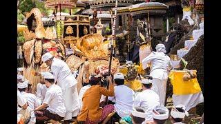 Video Megayot, A unique procession in Puseh Temple of Selat Village MP3, 3GP, MP4, WEBM, AVI, FLV November 2018