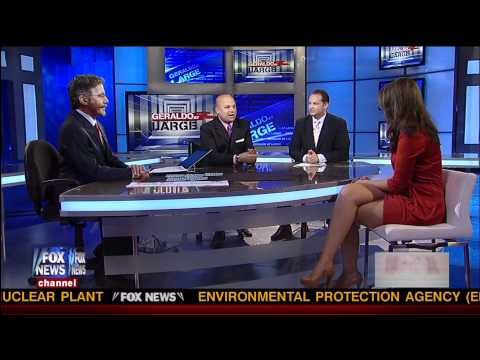 Kimberly Guilfoyle fishnet pantyhose 07 09 11 HD