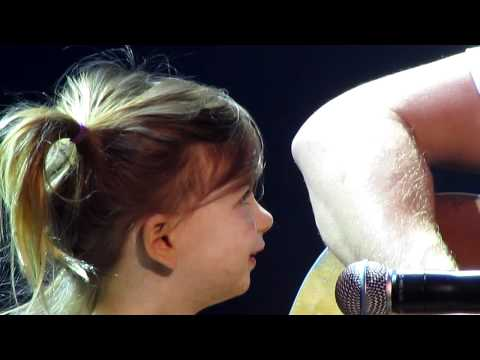 Dierks Bentley Duet With Daughter, Evie