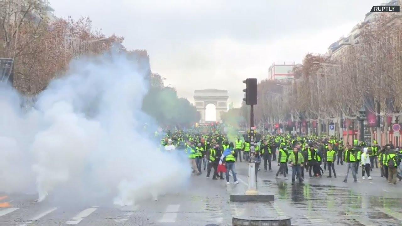 Διαδήλωση στο Παρίσι για την αύξηση των τιμών στα καύσιμα και την οικονομική πολιτική του Μακρόν