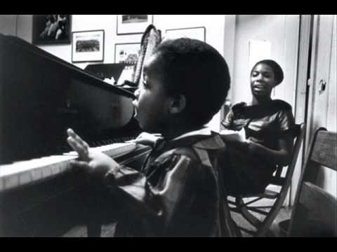 Tekst piosenki Nina Simone - Poppies po polsku