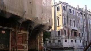 Passeando de gôndola por Veneza