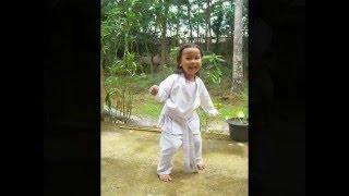WOW KARATE KIDS IN JAVA Kisah seorang anak Jawa yang ingin menjadi kshatria sejati, dia rela menempa diri dan berlatih KARATE dengan gigih dan tekun untuk mencapai cita-citanya menjadi yang terbaik, mereka ingan seperti ayahnya yang juga suka dunia Beladiri Karate walaupun ayahnya bukan seorang master Karate dan juga bukan seorang juara tetapi mereka ingin mengikuti jejak ayahnya.