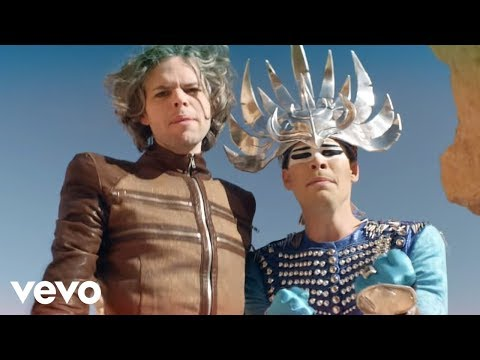 Tekst piosenki Empire Of The Sun - Alive po polsku