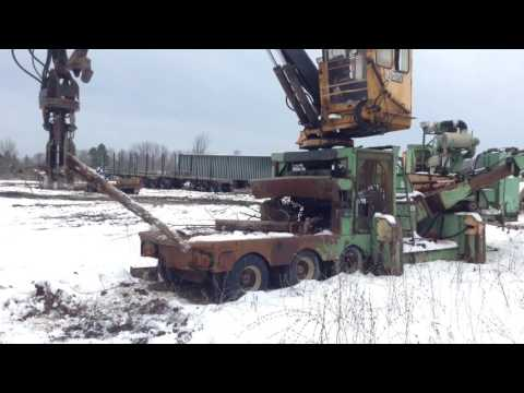 HUSKY Industrie forestière - Tronçonneuse/Déchiqueteuse 2675 equipment video IPeXye3T6iU