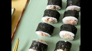 Rotolini di sushi al tonno