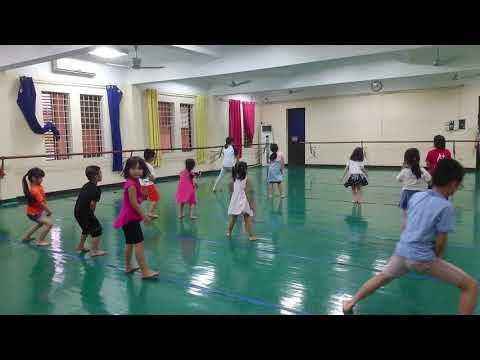 Các học viên nhí hào hứng say mê  học nhảy  Freedance
