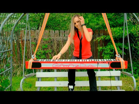 "Avril Lavigne  ""Complicated"" Cover by Alexandra Kuznetsova"