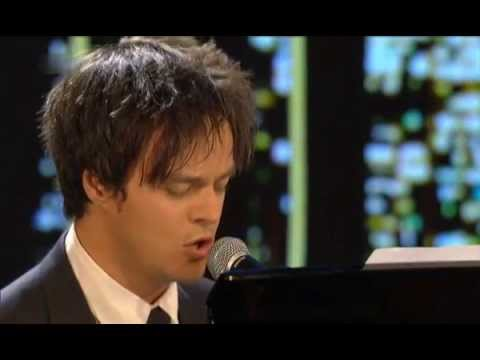 sing - Jamie Cullum - If I Never Sing Another Song 2014 Original by Udo Jürgens 1980 The audience treated him kindly But nobody shouted for more These days you don't read much about him No star...