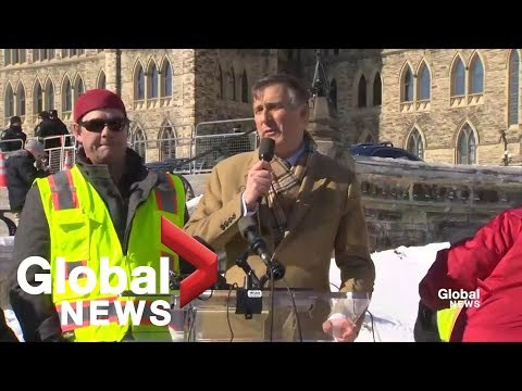 Maxime Bernier rallies against Trudeau, Scheer over pipeline stance