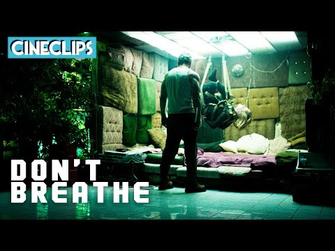 The Turkey Baster Climax | Don't Breathe | CineClips