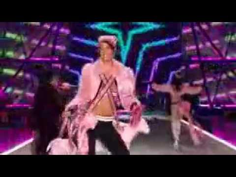 Bruno Mars   Chunky Victorias Secret 2016 Fashion Show Performance online video cutter com
