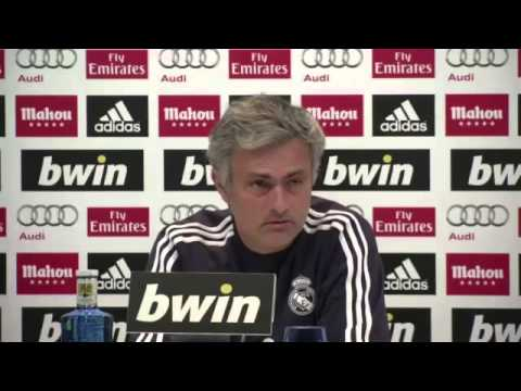 Mourinho describes Barcelona as Messi-dependent (видео)