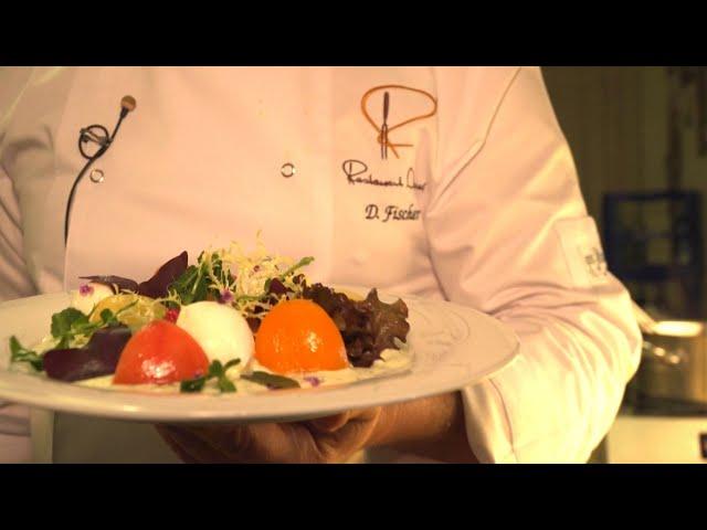 Bunte Tomaten mit Mozzarella und einem feinen Basilikum-Joghurt-Dressing   Daniel Fischer bei Topfgucker-TV