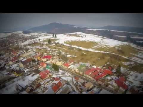 Úchvatné letecké video obce neďaleko Bystrice