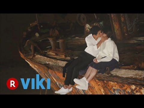 Descendants of the Sun - Song Joong Ki and Song Hye Kyo's Kiss