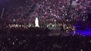 Katy Perry speaking Czech language (PRAGUE)