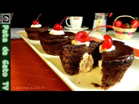 Panquecitos de chocolate y fresa / Chocolate and strawberry cupcakes