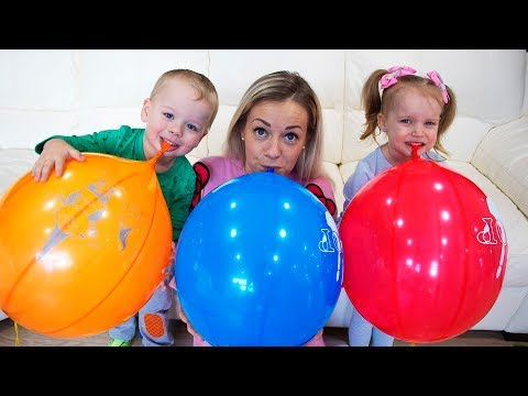 Gaby Alex and Mommy playing with Balloons and Learns colors