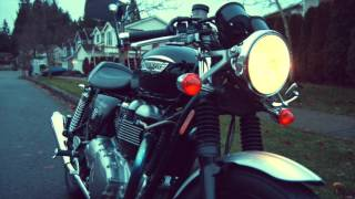 1. 2006 Triumph Thruxton 900